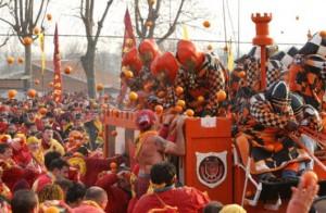 la-famosa-battaglia-delle-arance-di-ivrea-3bmeteo-63083